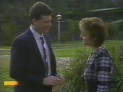 Des Clarke, Gail Robinson in Neighbours Episode 0806