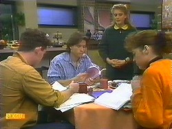 Brad Fuller, Mike Young, Bronwyn Davies, Jackie Vidor in Neighbours Episode 0806