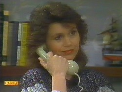 Beverly Robinson in Neighbours Episode 0806