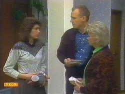 Beverly Robinson, Jim Robinson, Helen Daniels in Neighbours Episode 0806