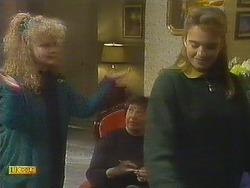 Sharon Davies, Edith Chubb, Bronwyn Davies in Neighbours Episode 0807