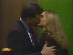 Des Clarke, Penelope Porter in Neighbours Episode 0807
