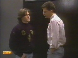 Mike Young, Des Clarke in Neighbours Episode 0808