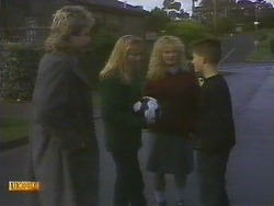 Nick Page, Bronwyn Davies, Sharon Davies, Todd Landers in Neighbours Episode 0809