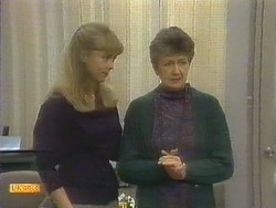Jane Harris, Nell Mangel in Neighbours Episode 0809