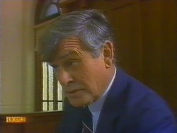 Magistrate in Neighbours Episode 0811