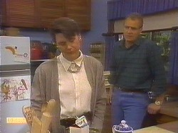 Beverly Robinson, Jim Robinson in Neighbours Episode 0811
