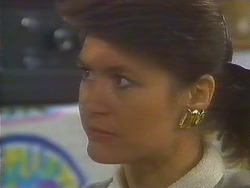 Beverly Robinson in Neighbours Episode 0811