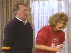 Harold Bishop, Madge Bishop in Neighbours Episode 0814