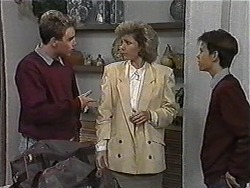 Nick Page, Beverly Robinson, Todd Landers in Neighbours Episode 1004