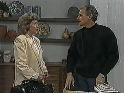 Beverly Robinson, Jim Robinson in Neighbours Episode 1004