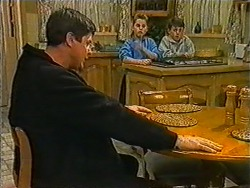 Joe Mangel, Katie Landers, Toby Mangel in Neighbours Episode 1006