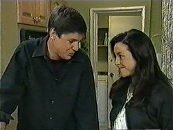 Joe Mangel, Kerry Bishop in Neighbours Episode 1007