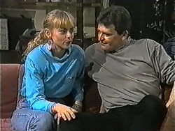 Jane Harris, Des Clarke in Neighbours Episode 1007