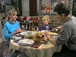 Jane Harris, Jamie Clarke, Des Clarke in Neighbours Episode 1007