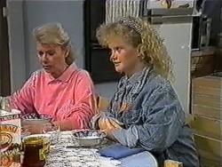 Helen Daniels, Sharon Davies in Neighbours Episode 1009
