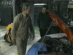 Jim Robinson, Des Clarke in Neighbours Episode 1009