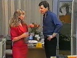 Jane Harris, Des Clarke in Neighbours Episode 1009
