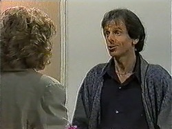Beverly Robinson, Jonathan Whiting in Neighbours Episode 1009