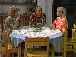 Beverly Marshall, Jim Robinson, Helen Daniels in Neighbours Episode 1010