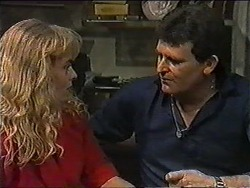 Jane Harris, Des Clarke in Neighbours Episode 1010