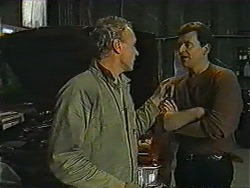 Jim Robinson, Des Clarke in Neighbours Episode 1010