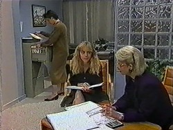 Gail Robinson, Jane Harris, Helen Daniels in Neighbours Episode 1010