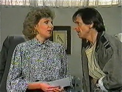 Beverly Marshall, Jonathan Whiting in Neighbours Episode 1010