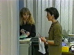 Jane Harris, Gail Robinson in Neighbours Episode 1011