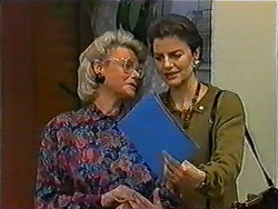 Helen Daniels, Gail Robinson in Neighbours Episode 1011
