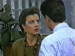 Gail Robinson, Paul Robinson in Neighbours Episode 1011