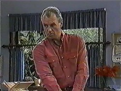 Jim Robinson in Neighbours Episode 1012
