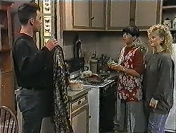 Matt Robinson, Hilary Robinson, Sharon Davies in Neighbours Episode 1013