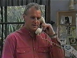 Jim Robinson in Neighbours Episode 1013