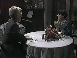 Kenneth Muir, Hilary Robinson in Neighbours Episode 1014