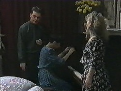 Matt Robinson, Hilary Robinson, Sharon Davies in Neighbours Episode 1014