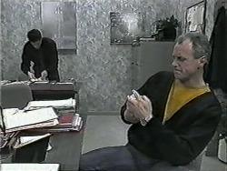 Paul Robinson, Jim Robinson in Neighbours Episode 1015