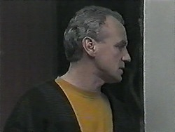 Jim Robinson in Neighbours Episode 1015