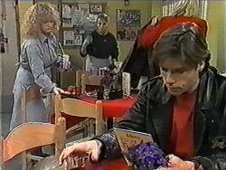 Sharon Davies, Bronwyn Davies, Mike Young in Neighbours Episode 1016