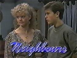 Sharon Davies, Todd Landers in Neighbours Episode 1016