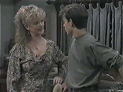 Sharon Davies, Todd Landers in Neighbours Episode 1017