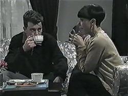 Matt Robinson, Hilary Robinson in Neighbours Episode 1017