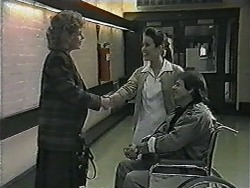 Beverly Marshall, Nurse Victoria, Jonathan Whiting in Neighbours Episode 1017