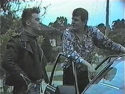 Matt Robinson, Des Clarke in Neighbours Episode 1017