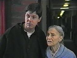 Joe Mangel, Mary Crombie in Neighbours Episode 1017
