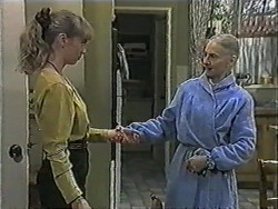 Jane Harris, Mary Crombie in Neighbours Episode 1018