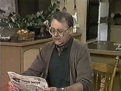 Harold Bishop in Neighbours Episode 1019