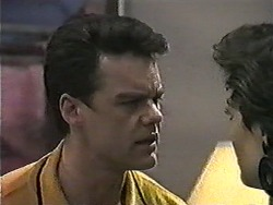 Paul Robinson, Gail Robinson in Neighbours Episode 1019