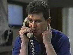 Des Clarke in Neighbours Episode 1020