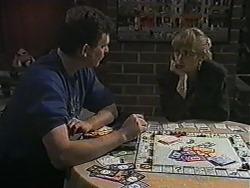 Des Clarke, Jane Harris in Neighbours Episode 1020